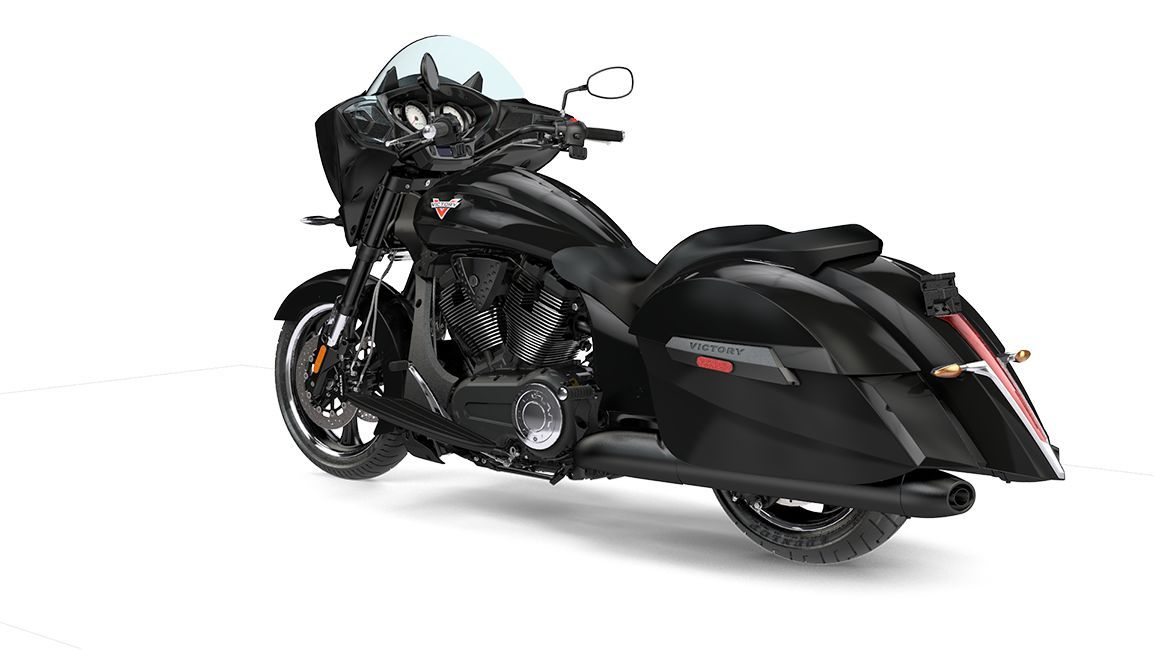 2016 Victory Cross Country 8 Ball Motorcycle Features