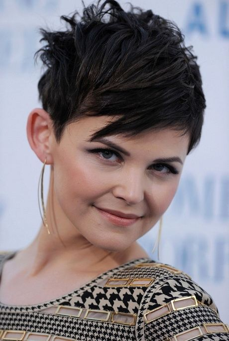 Ginnifer Goodwin Short Straight Cut Ginnifer Goodwin styled her hair in a choppy straight hairstyle for the premiere of ' Something…