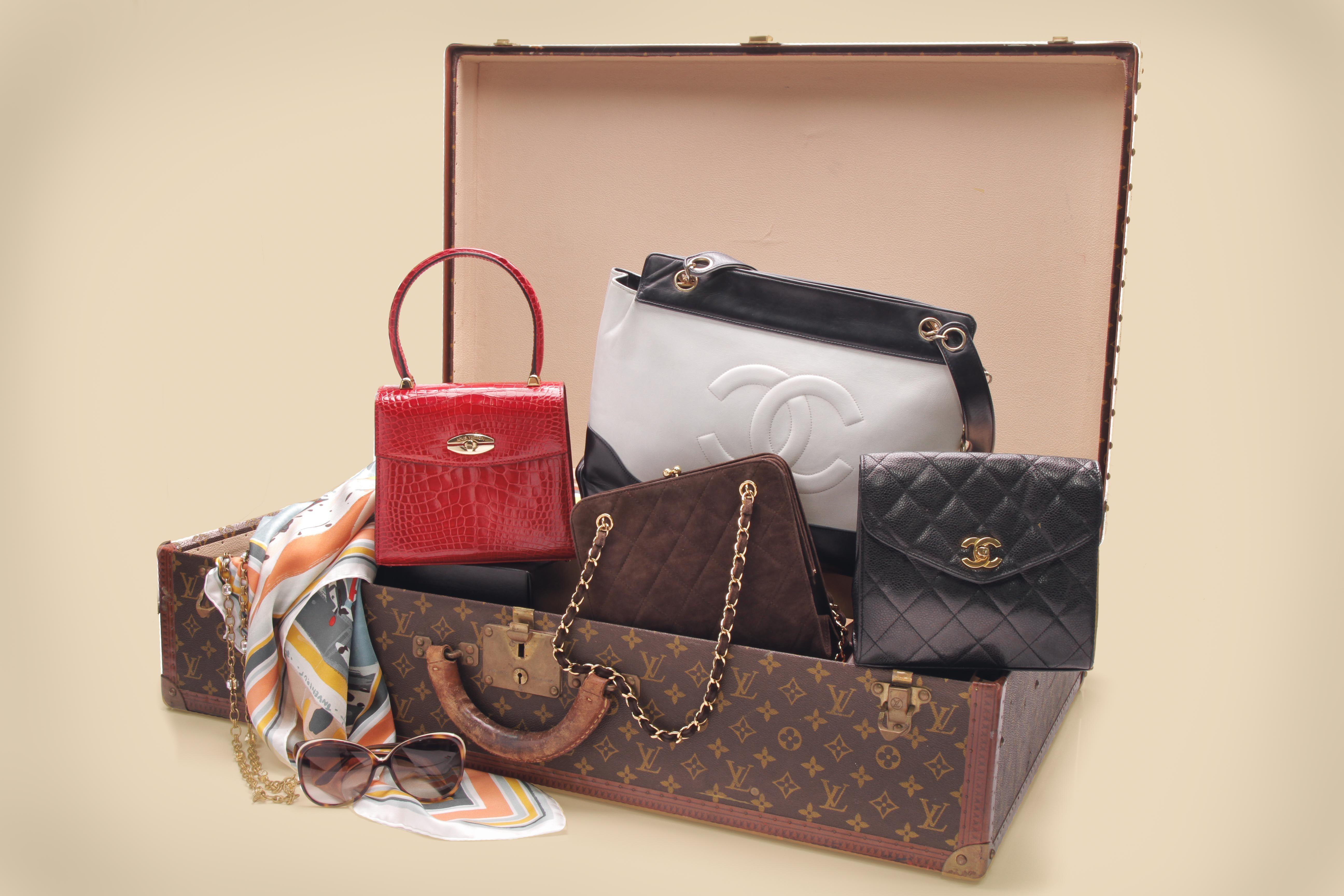 b16fa0c6f5b2 5 Tips in Buying Your First Vintage Luxury Handbag