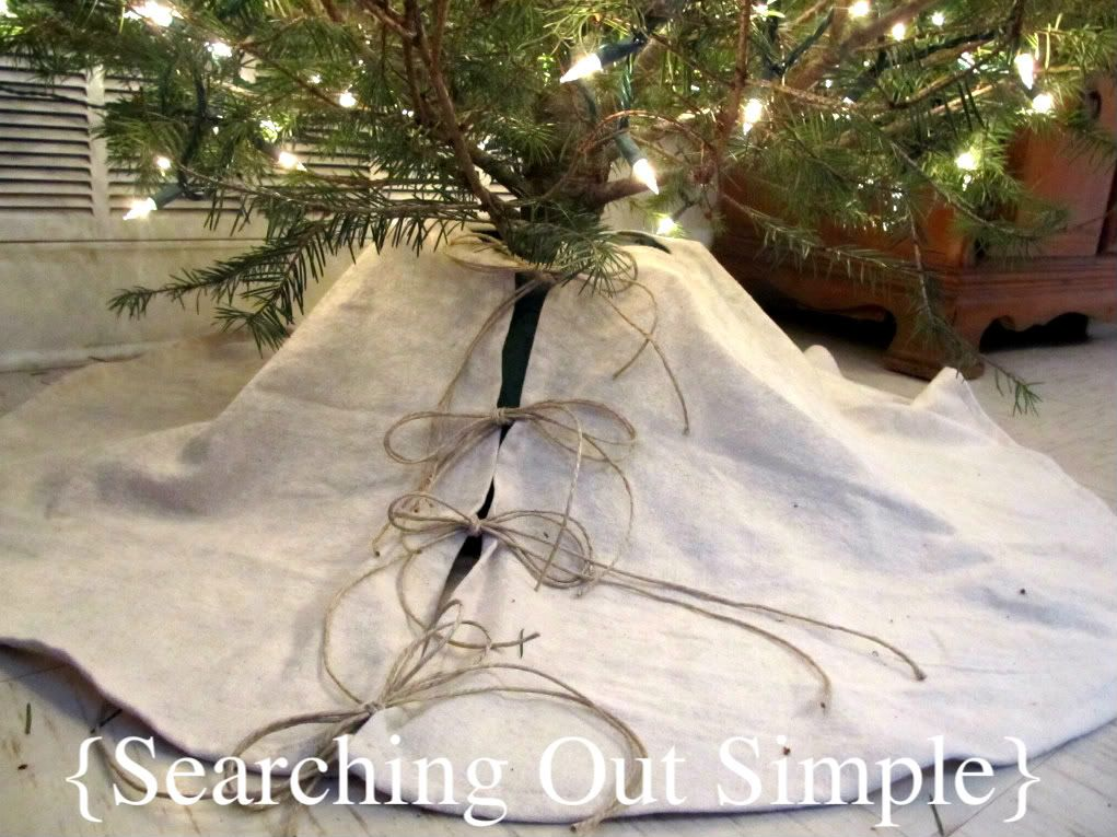 SIMPLE tree skirt: canvas from fabric store or paint drop cloth ...