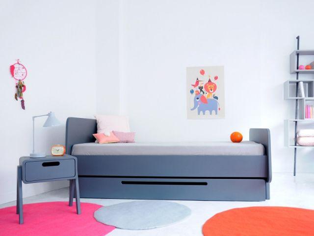 Aménager une chambre du0027enfant  zoom sur la table de chevet Sons - Amenager Une Chambre D Enfant