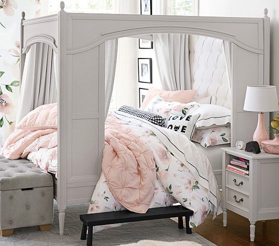 Blythe Carriage Bed In 2019 Carriage Bed Treehouse Loft
