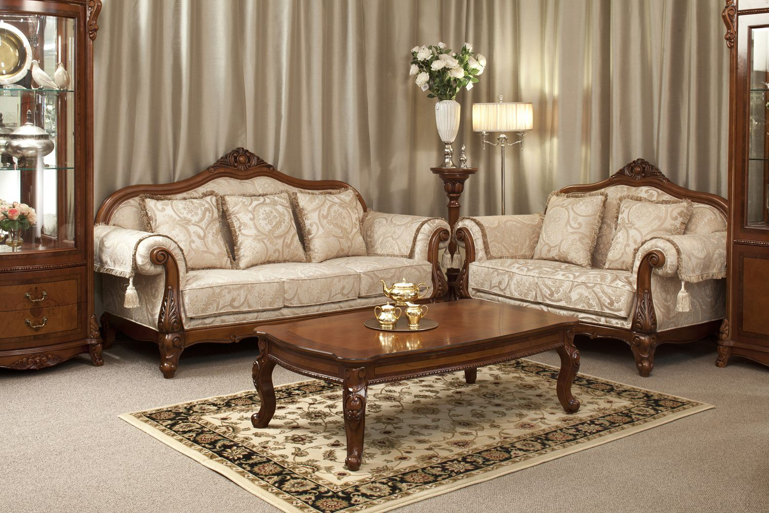 Classic Lounge Furniture
