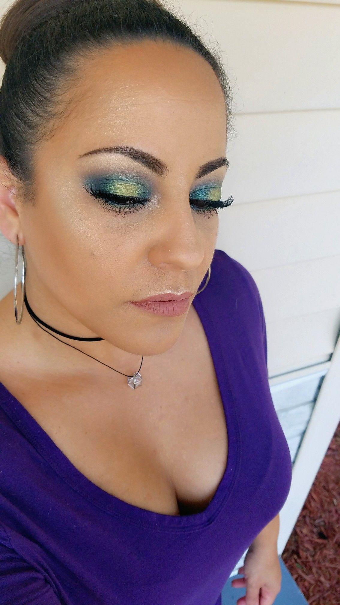 Green halo eye makeup beauty Eyeshadow lashes Instagram