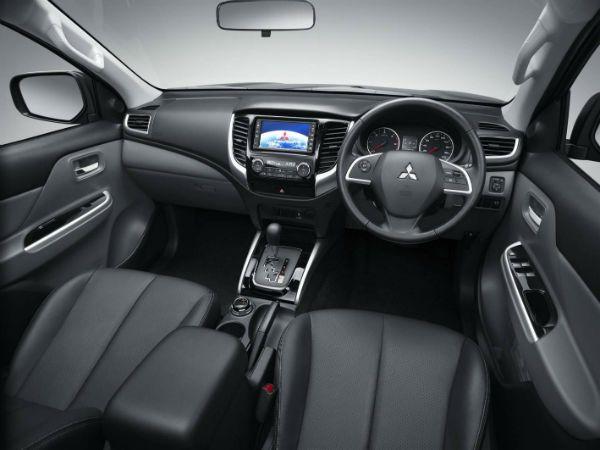 Mitsubishi I Interior