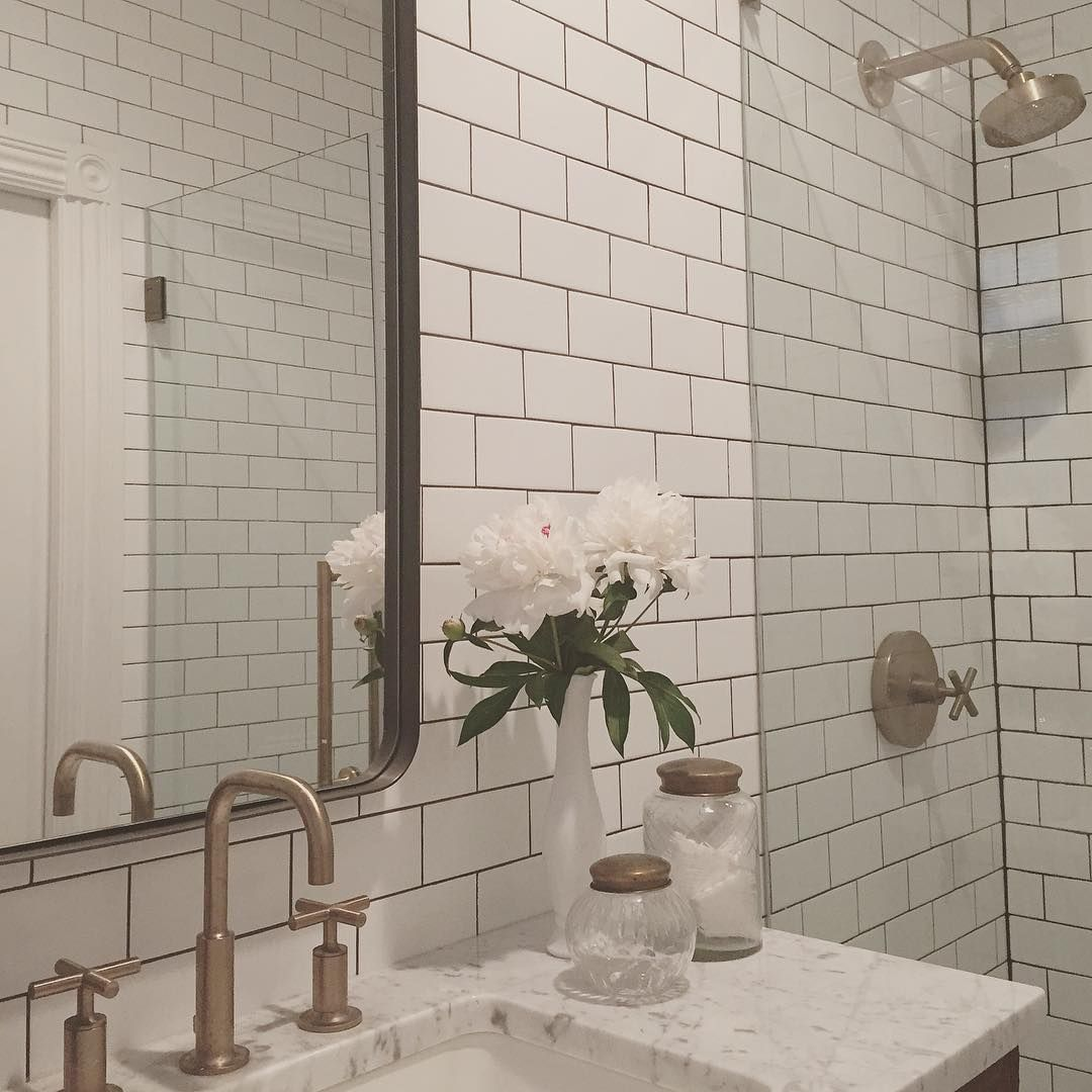 white subway tile meets dark grout | House & Home | Pinterest ...
