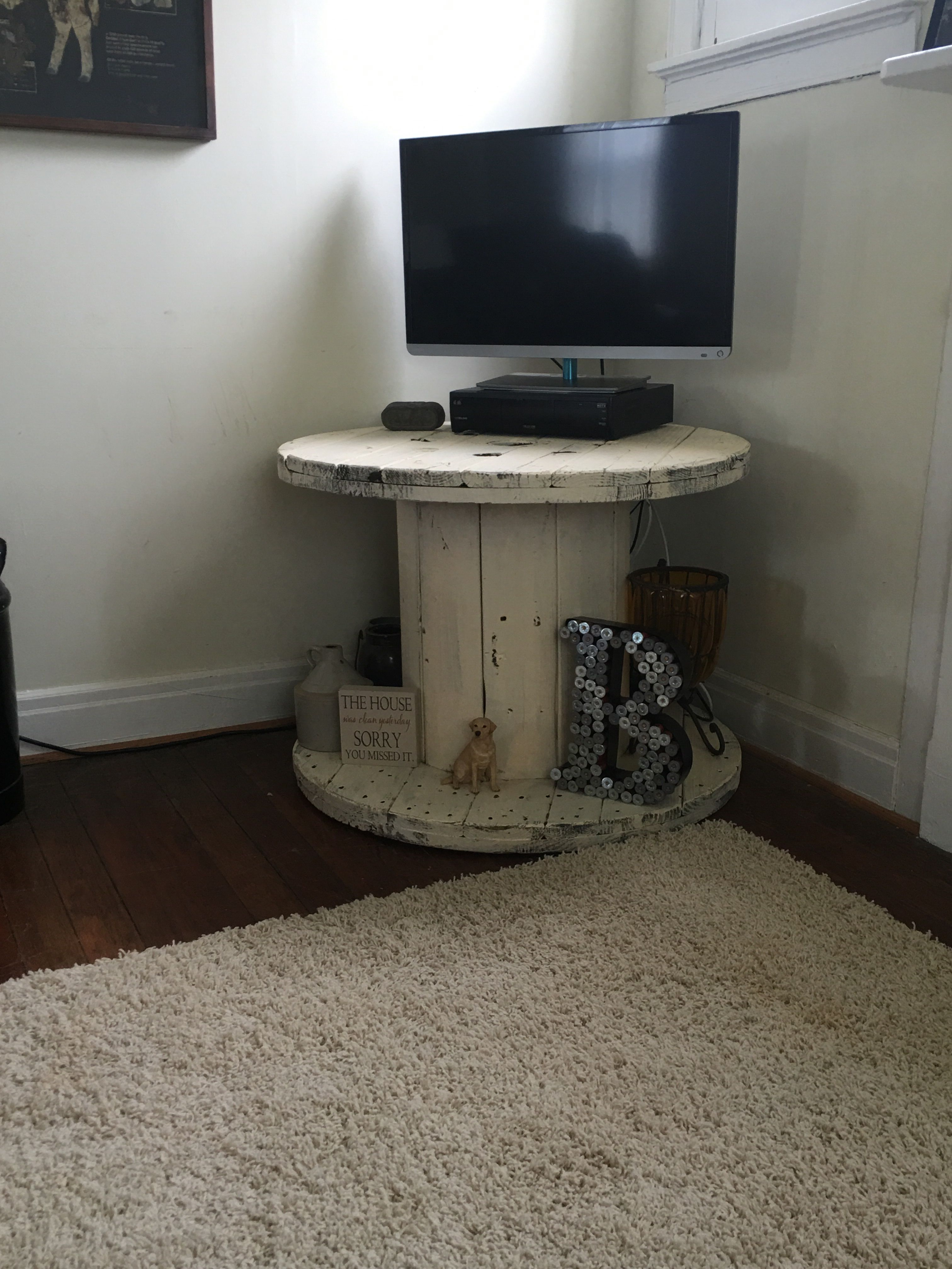 New Tv Stand Out Of Old Cable Spool Living Room Tv Stand Swivel