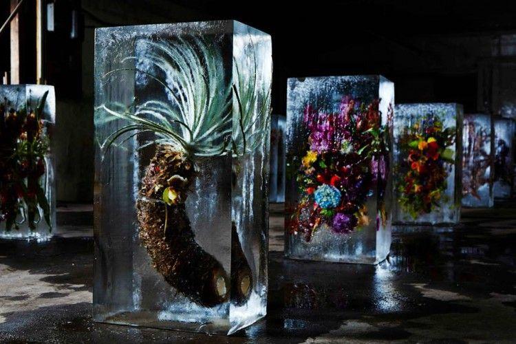 Azuma Makoto - Iced Flowers