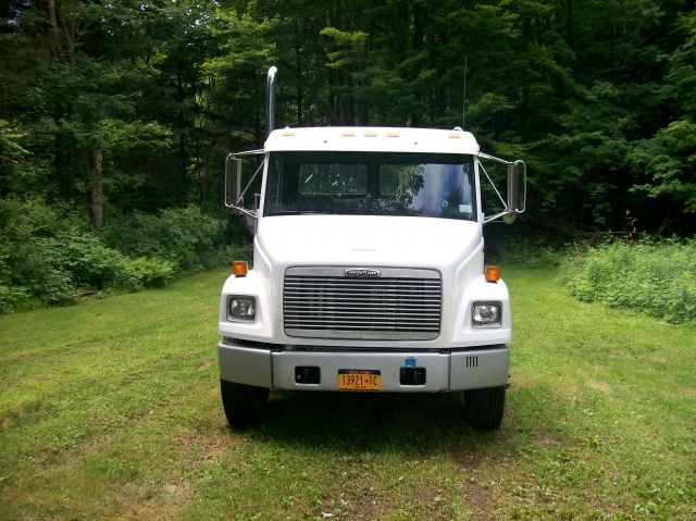 For Sale 1999 Freightliner Fl70 Single Axle Day Cab w/3126