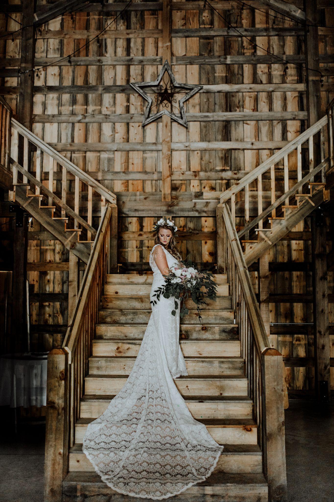 Barn Wedding Venue in Michigan Photo by Little Blue Bird ...