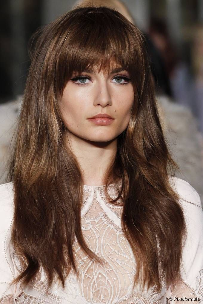 Straight Long Bangs An It Girl Style L Oreal Professionnel Long Face Hairstyles Long Hair With Bangs Haircuts For Long Hair