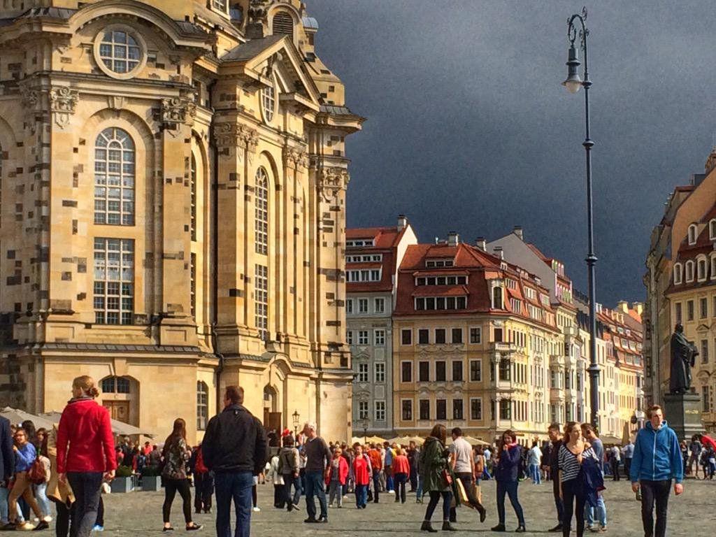 Single party dresden heute Frauen kennenlernen in Dresden auf diesen wilden Partys
