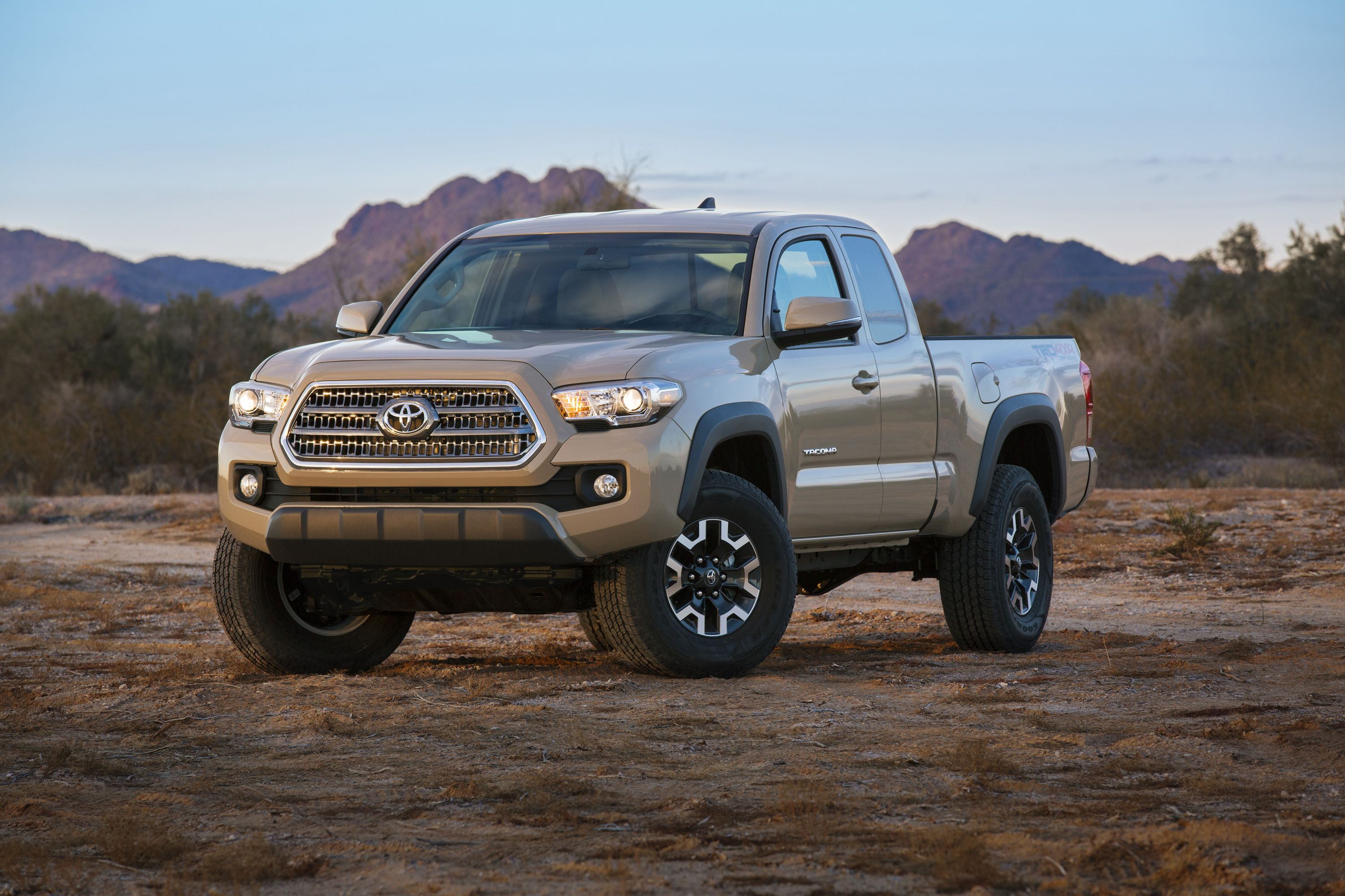 Want a camera mount to come standard with your next truck the 2016 toyota tacoma is what you re looking for toyota has announced that the upcoming truck
