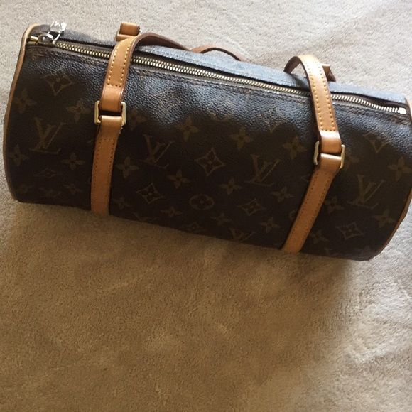 Authentic Cylinder Louis Vuitton Handbag Good Conditon! Louis Vuitton Bags  Shoulder Bags 5dd471099b656