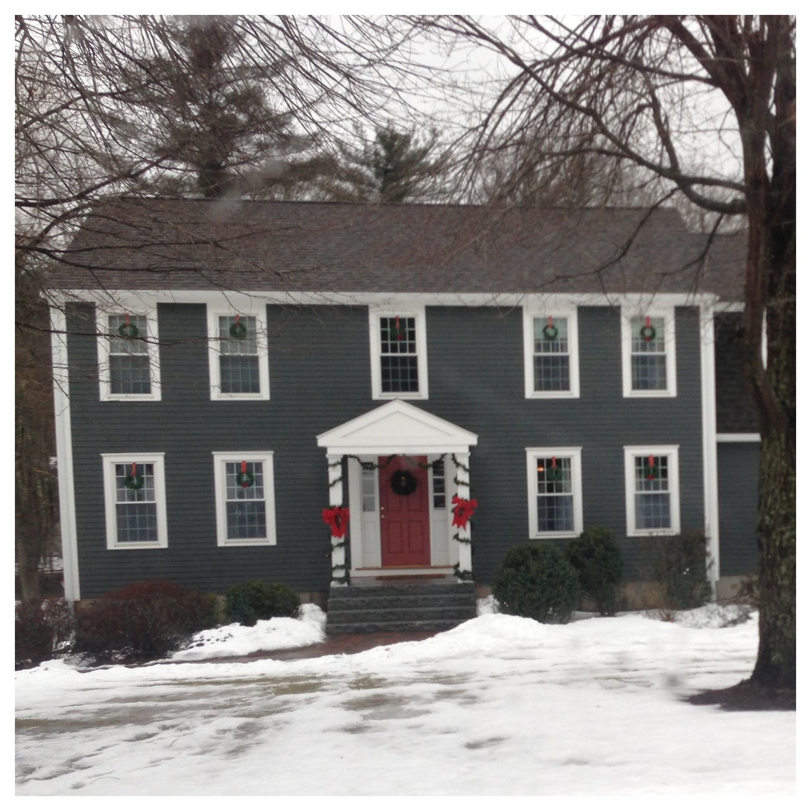 Colonial Home New England Paint Color Ideas Colonial Center Entrance Colonial House Exterior Dutch Colonial Homes Colonial House