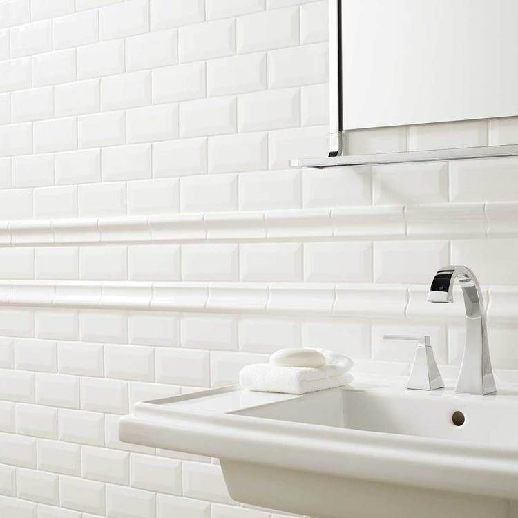 Child S Bath Walls From Floor Up 2 3 Of Wall With Border Tile Profiles Ceramic American Olean