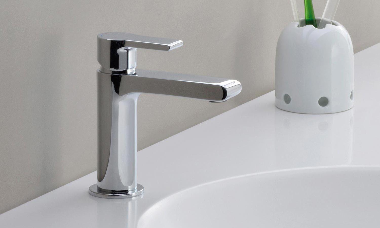 Mitigeur lavabo médium Delta de Cristina