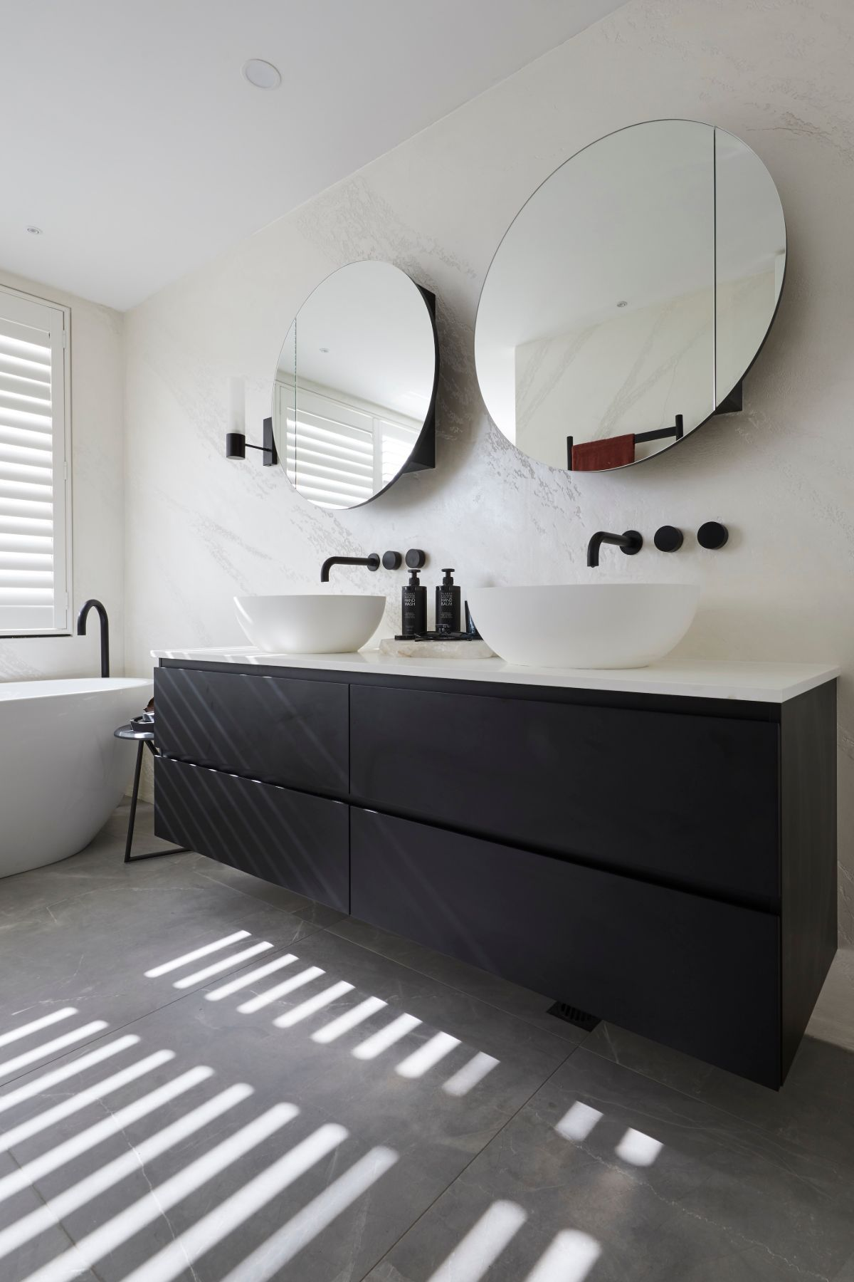Elise Matt Took Some Risks With Their Master Ensuite The Judges