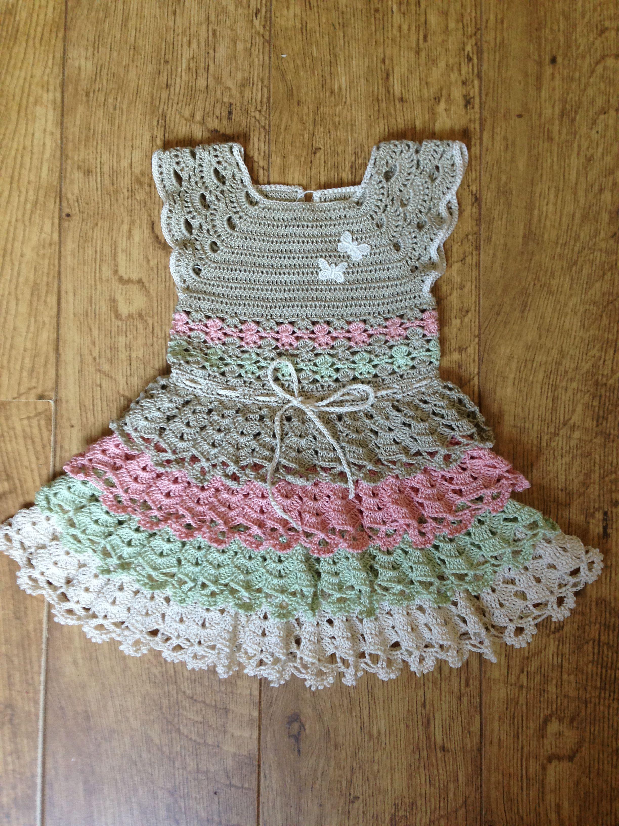 Pin von Maria Salvador auf crochet stuff   Pinterest   Babykleidchen ...