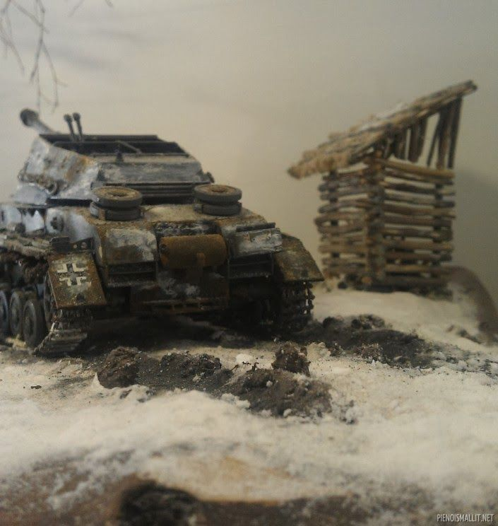Scale models and dioramas: Escape from icy hell