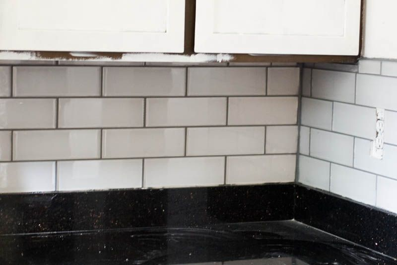 Tips and tricks for diy subway tile backsplash installation subway diy subway tile backsplash installation tips and tricks including all the products you need solutioingenieria Image collections
