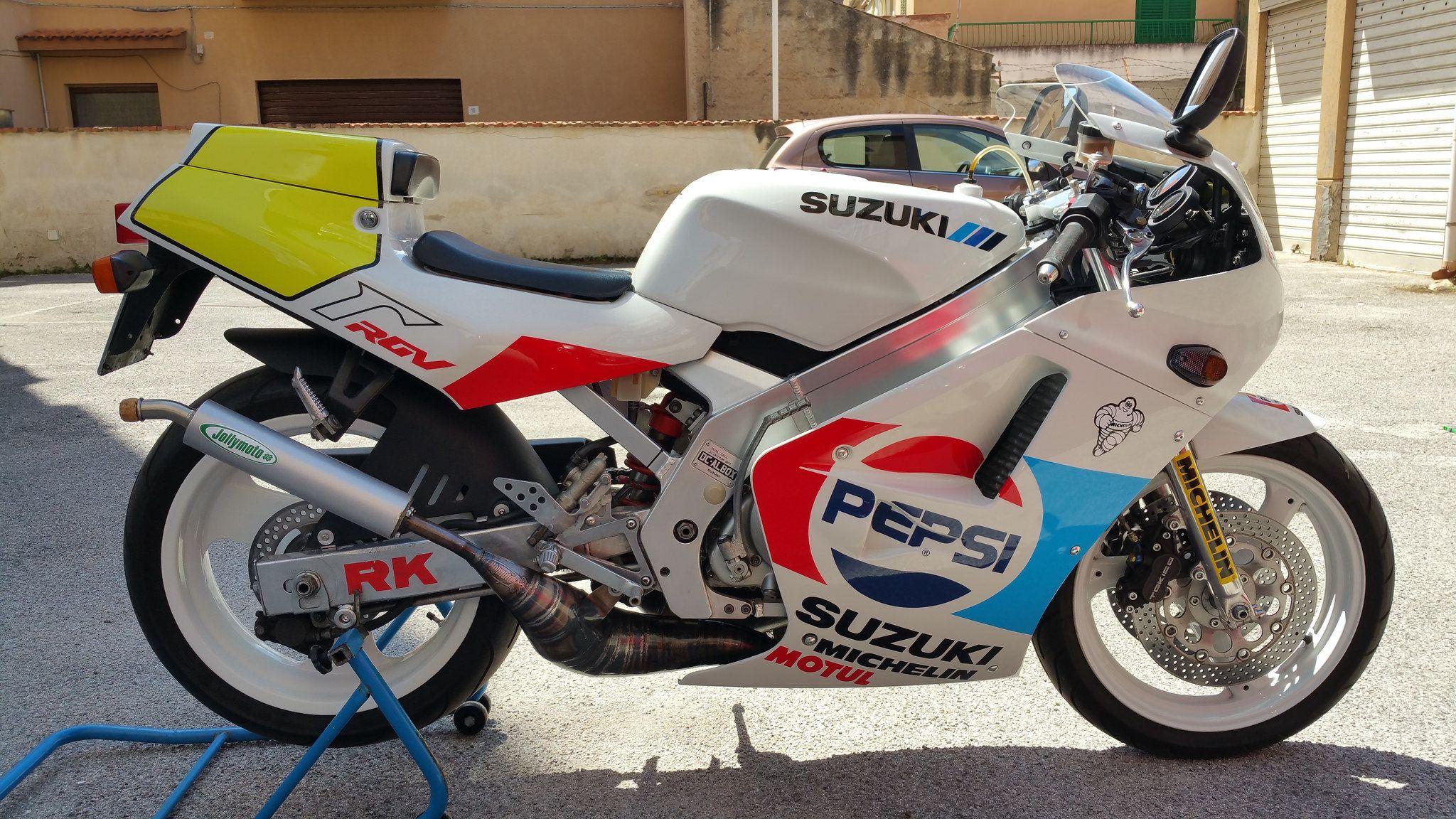Suzuki Rgv 250 Vj21a Pepsi Edition Suzuki Suzuki Motorcycle Suzuki Bikes