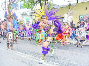 La familia Plascencia es el vivo retrato del fervor por La Generala. Danzar para la virgen cada 12 de octubre es un orgullo que se lleva en el corazón y se materializa en fotos que cuelgan los jóvenes en sus perfiles de facebook; todo está listo para el gran día