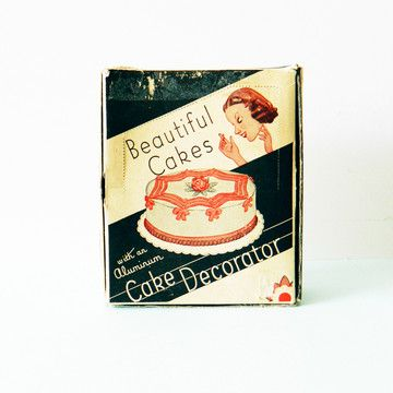 '50s Cake Decorating Set  by Amelia Bedelia Vintage