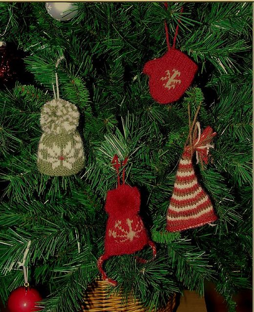 88acb600b234f Ravelry  Mini Mits and Hats pattern by Anna Nikipirowicz-free ...