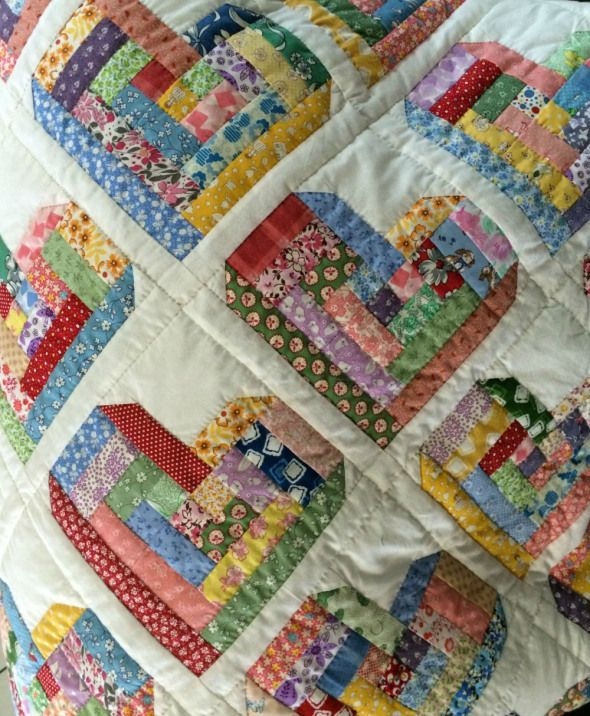 log cabin heart quilt- something different Quilts - Scrappy... Pinterest Log cabins, Cabin ...