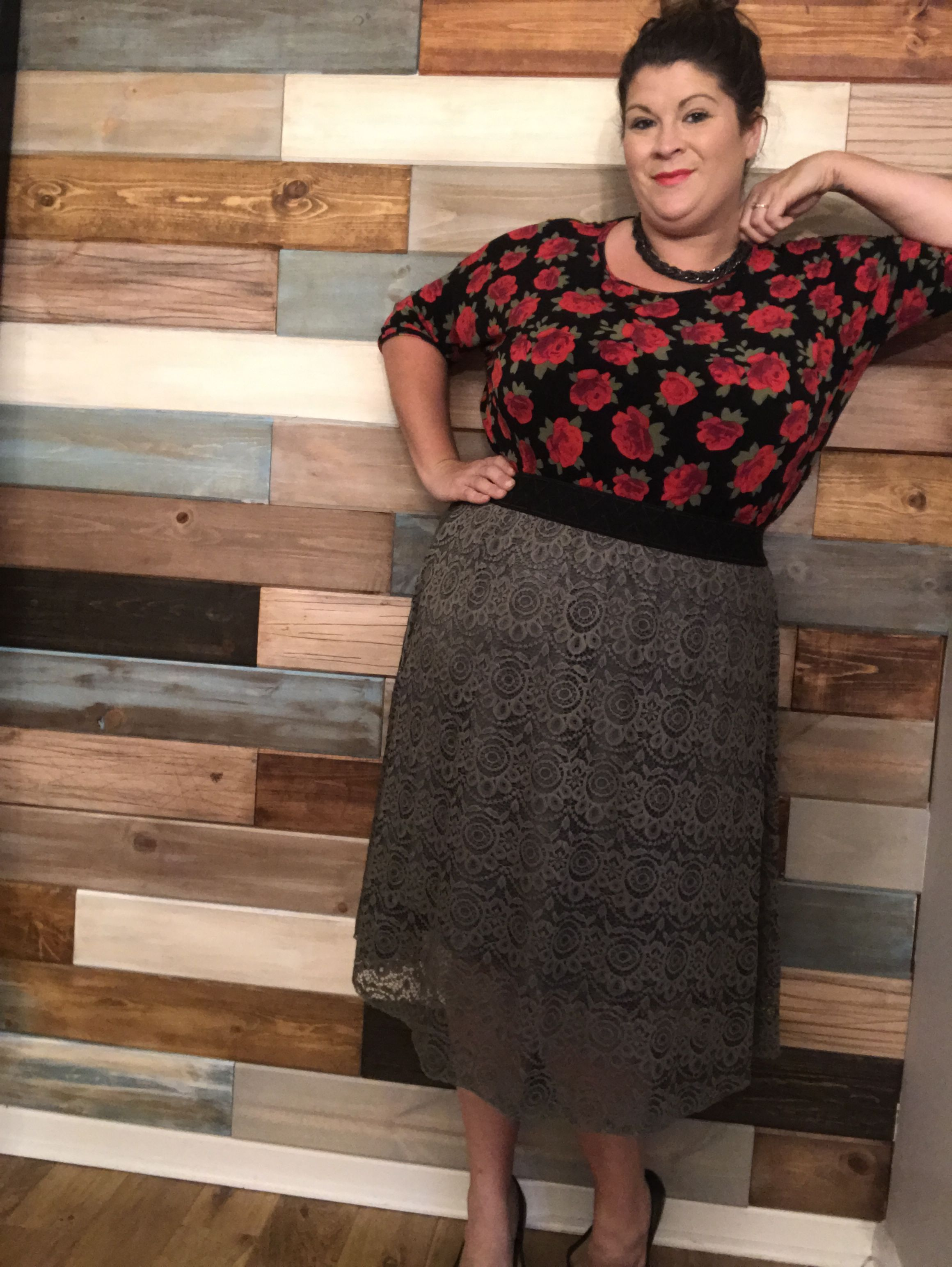 dad17941985483 Ahh I love this look! Lularoe plus size fashion! Irma tucked into a ...