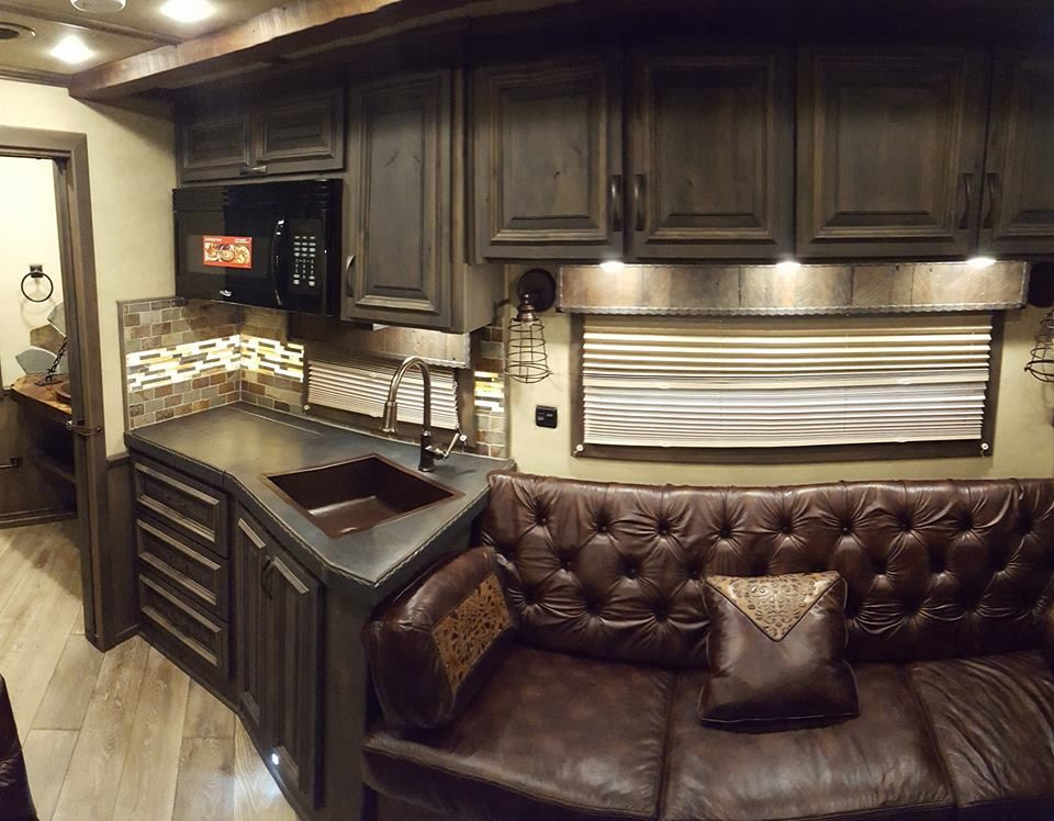 triple c trailers to exhibit at stetson country christmas in las vegas custom bloomer horse trailer interior living quarters trailer - Country Christmas Las Vegas
