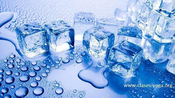 El agua, ese compuesto químico que se encuentra presente en la naturaleza en forma líquida, sólida o gaseosa,  es esencial para la salud y la vida de todos los seres en nuestro planeta.