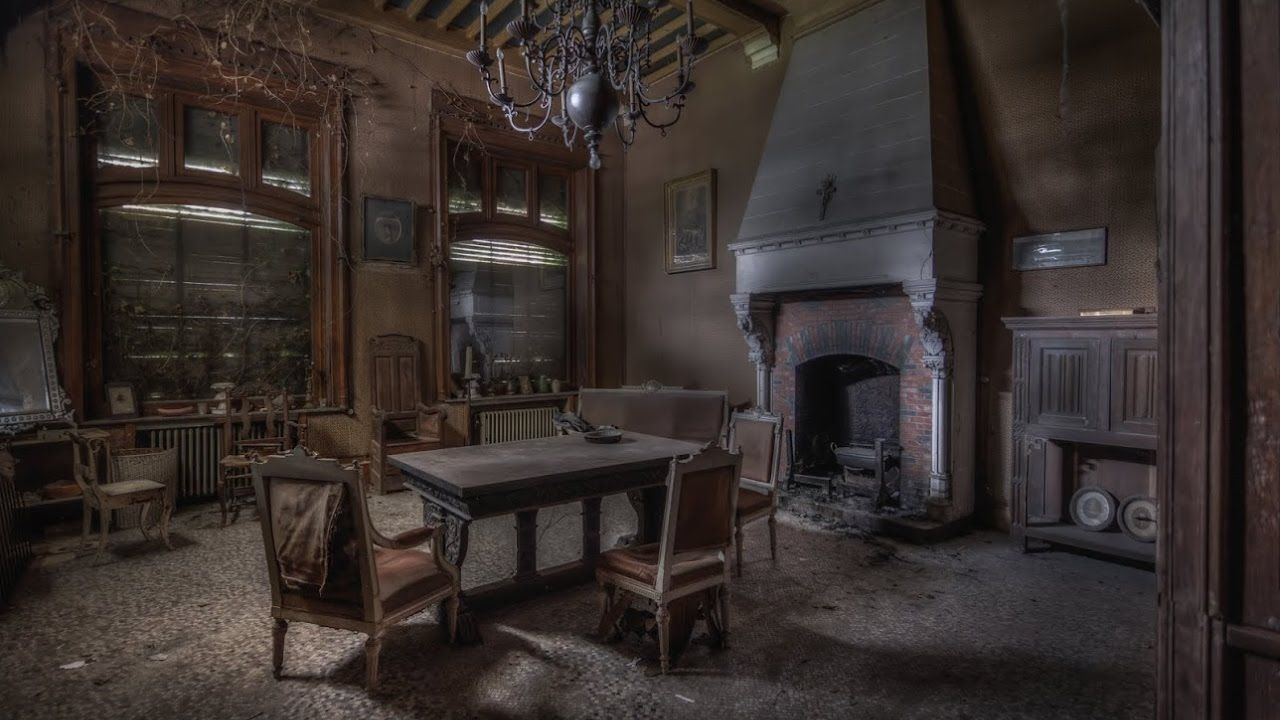 Abandoned 19th Century Victorian House Fully Furnished