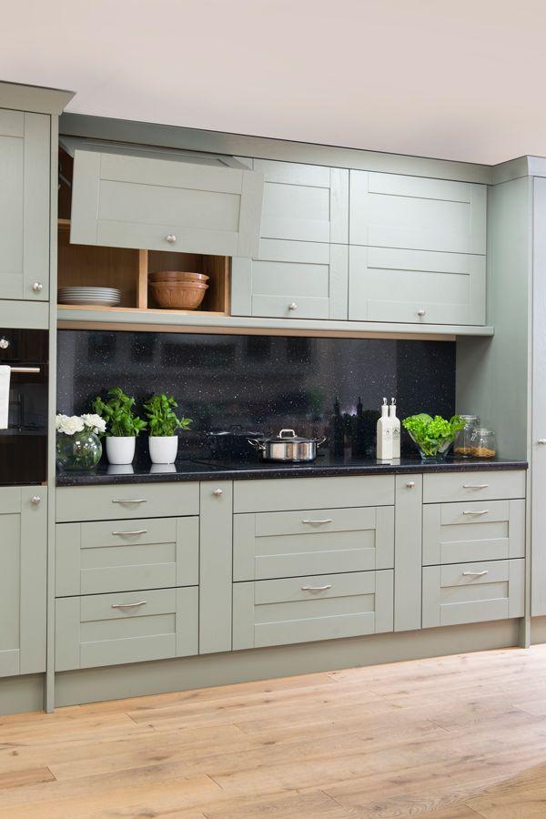 Combining Pale Coloured Kitchen Cabinets With Black Sparkle Laminate Worktops And Splashbacks Create Kitchen Renovation Kitchen Cabinet Colors Laminate Kitchen