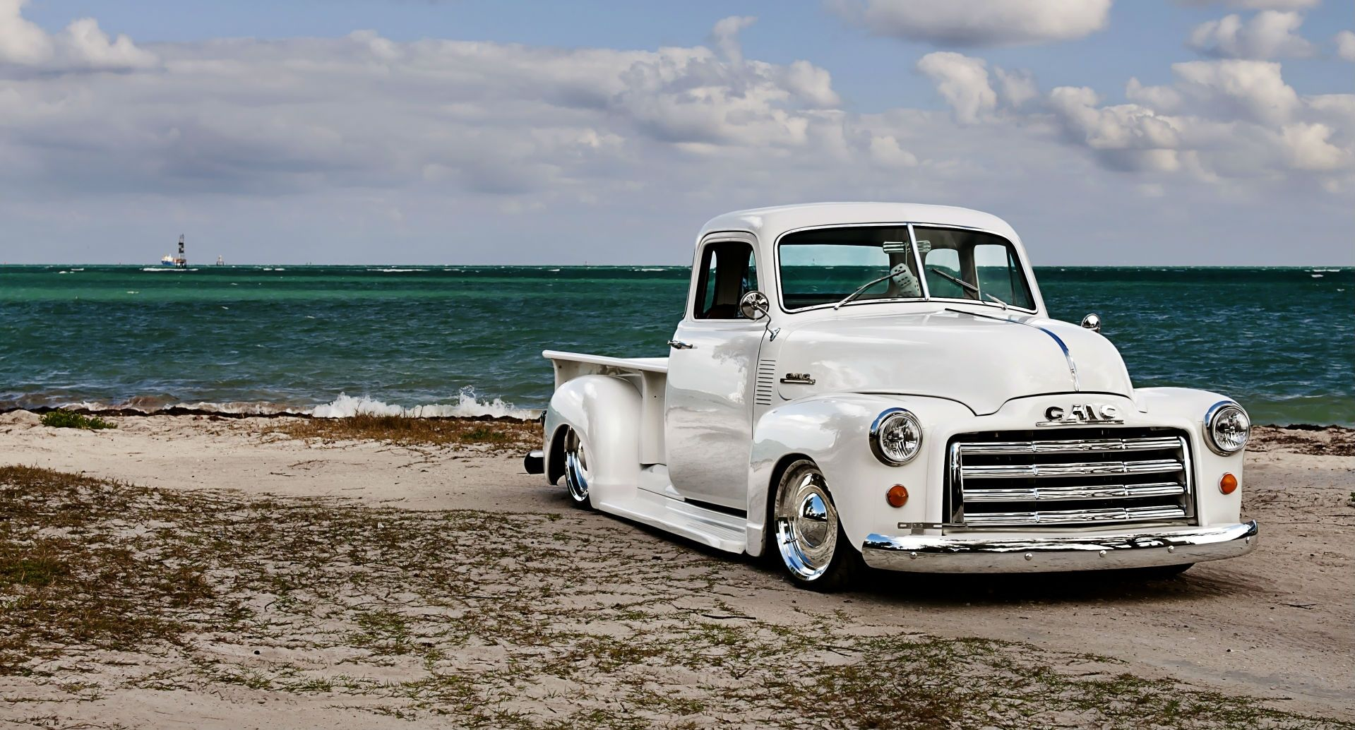 Pin By Theoxaris On Slammed Chevy Trucks Old Pickup Trucks 54 Chevy Truck Classic Trucks