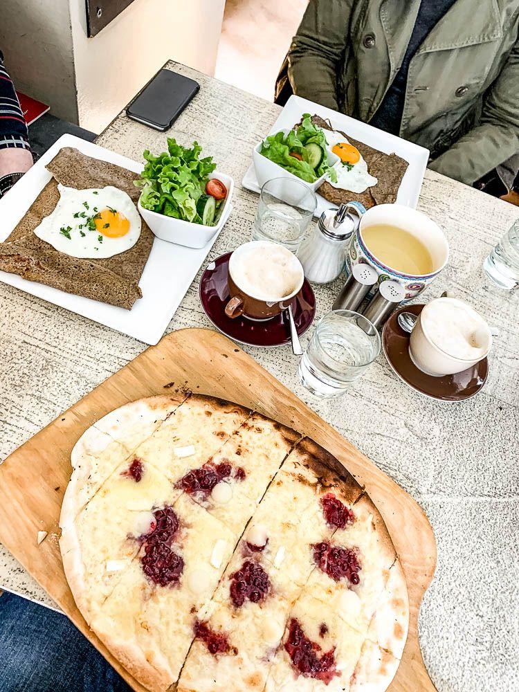 3 Themen Cafes In Klagenfurt Die Du Unbedingt Mal Besuchen Musst Fruhstuckscafe Fruhstuck Gerichte Cafe