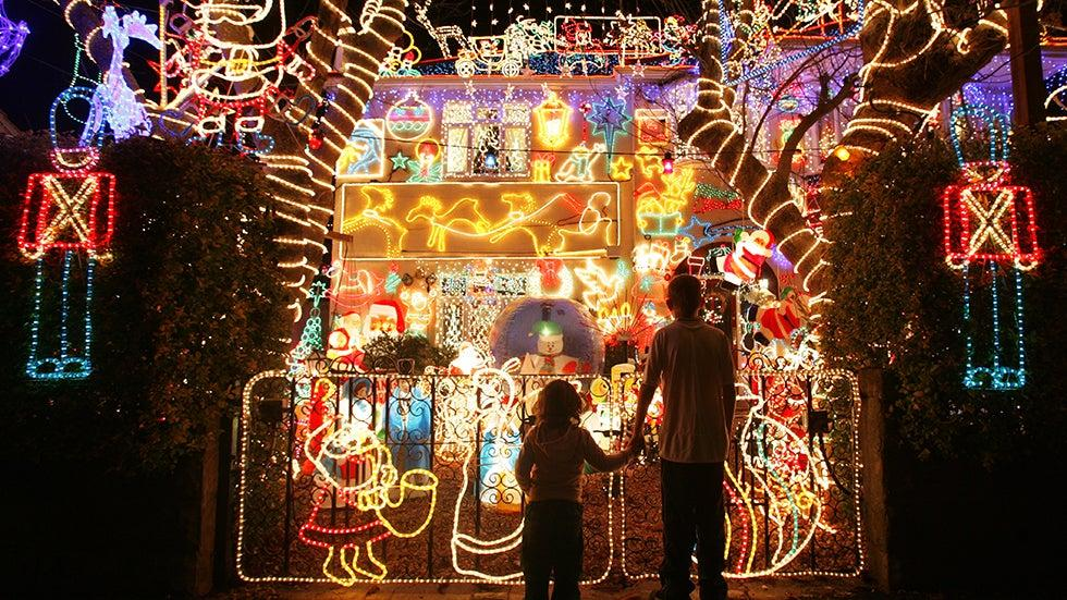 Holiday Lights From Around The World Photos In 2020 Best Christmas Lights Best Christmas Light Displays Holiday Lights