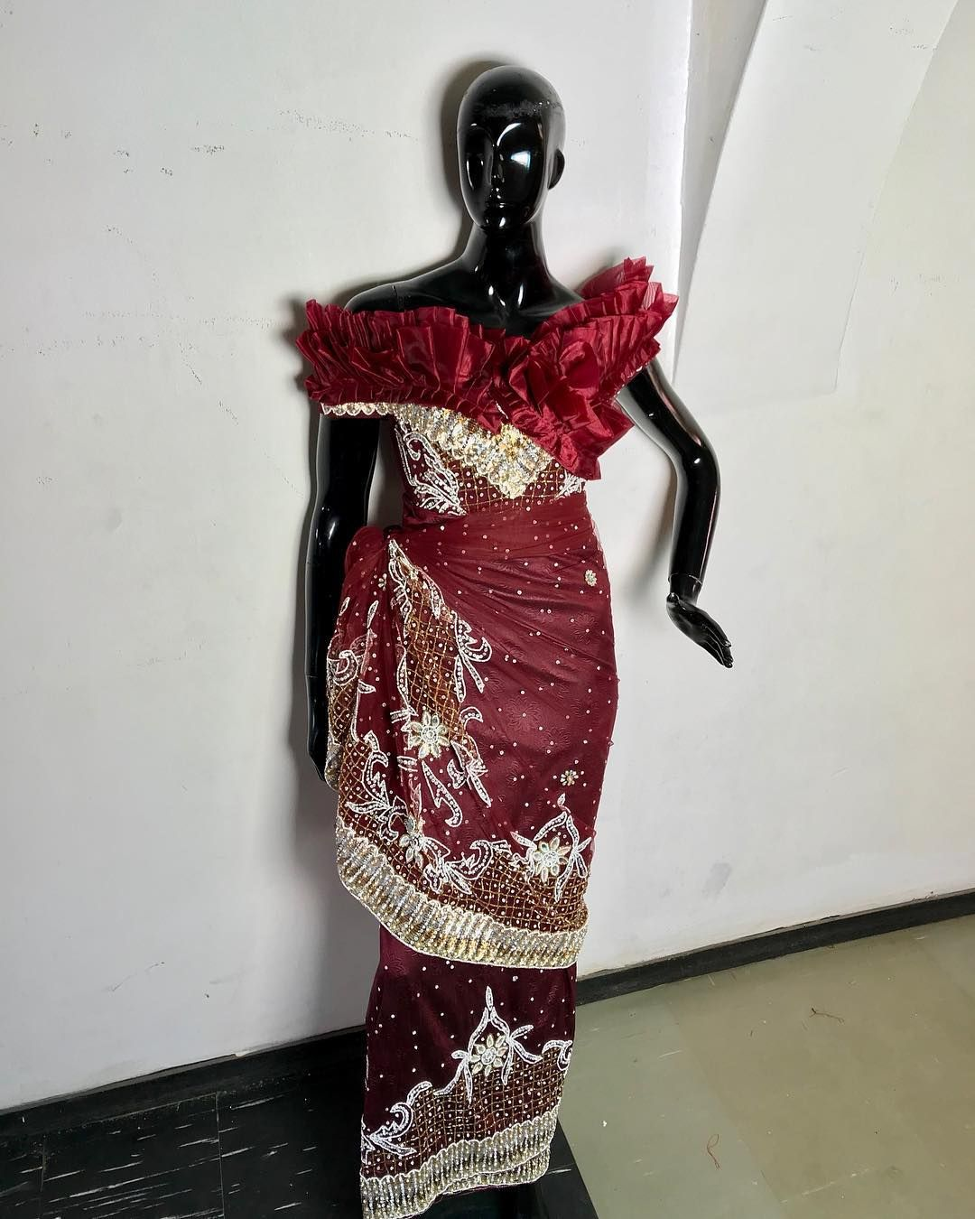 Abuja Fashion Designer On Instagram Come And Experience The Nellygalt Touch Outfit By Yours Truly We Do Custom Fashion African Dress Fashion Design