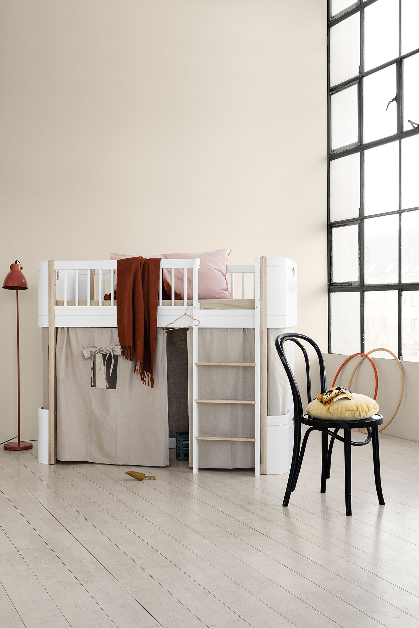 Oliver Furniture Mini Wood Collection In Weiss Eiche