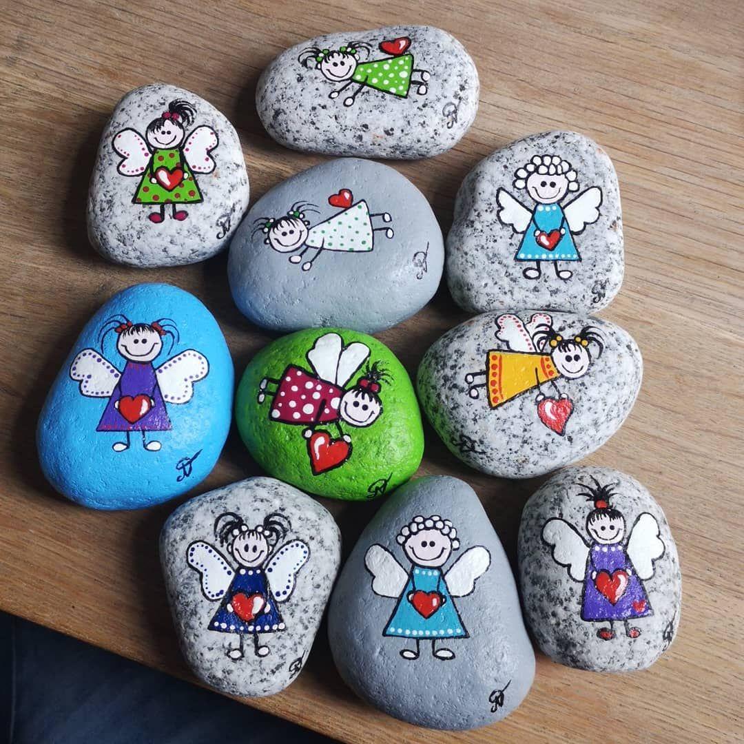 #malkeinemandalas #schutzengel #engel #glücksbringer #steine #stone #malen #painting #acryl #hobby #kreativjulepynt