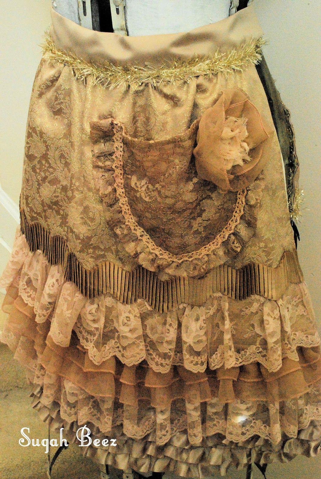 Sugah Beez: Apron Adoration. Such a beautiful apron | Aprons | Pinterest