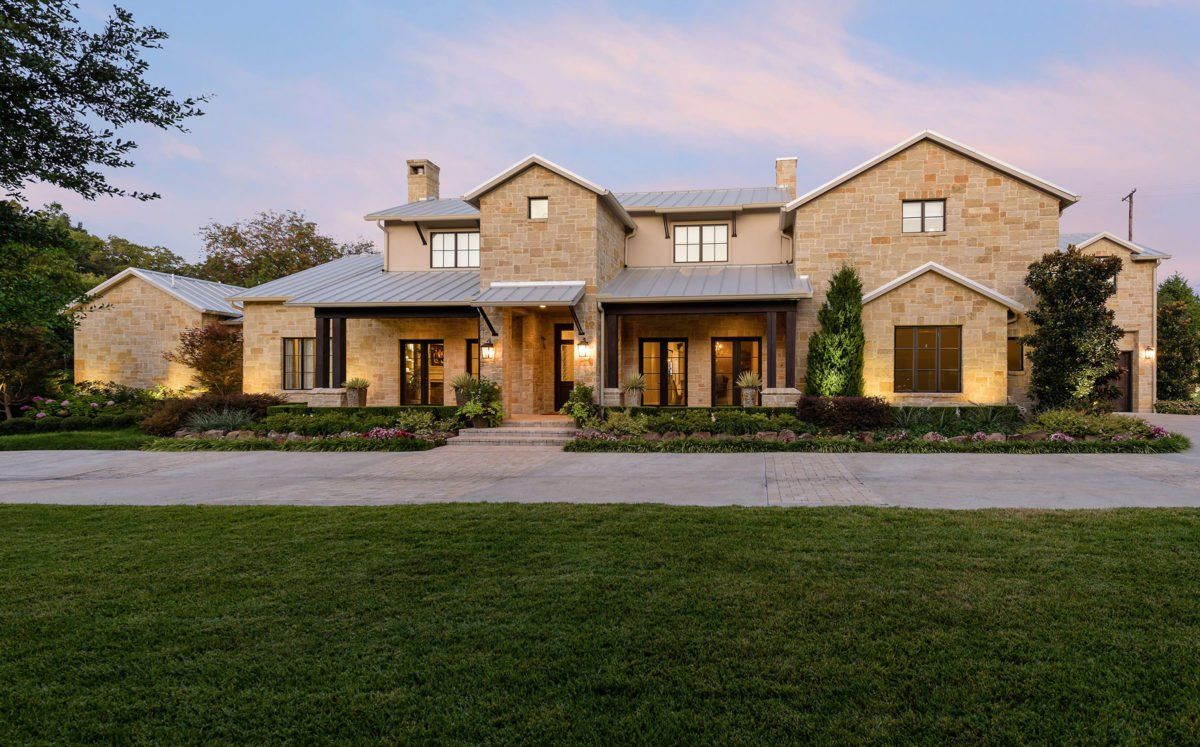 This Soft Contemporary Home Will Take You To The Texas Hill Country D Magazine In 2020 Texas Hill Country House Plans Hill Country Homes Country House Design