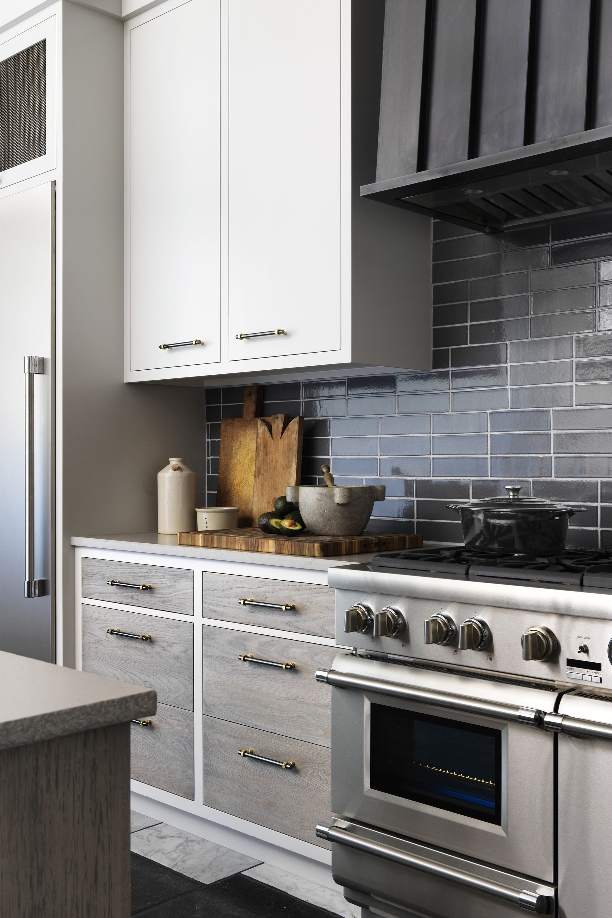 Best Forget All White Kitchens—These Gray Kitchens Are Straight 400 x 300