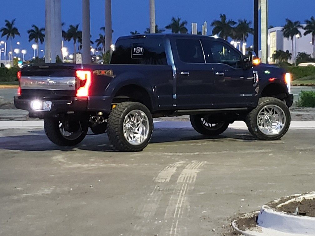 Pin by Stoneman on Lifted Ford Ford suv, Ford explorer