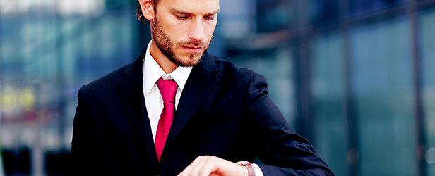 Find ud af, hvornår du bør sende din ansøgning, gå til jobsamtale og ringe til din kommende chef.