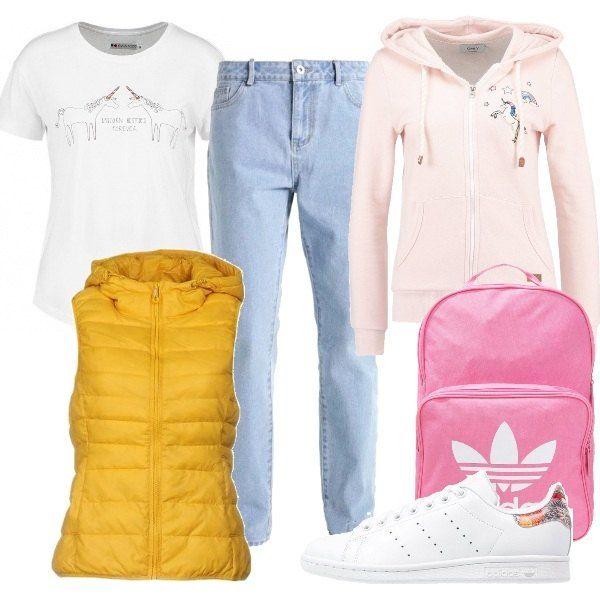 the latest 27fe7 8ca2a Outfit dedicato alle teen-ager composto da t-shirt con ...