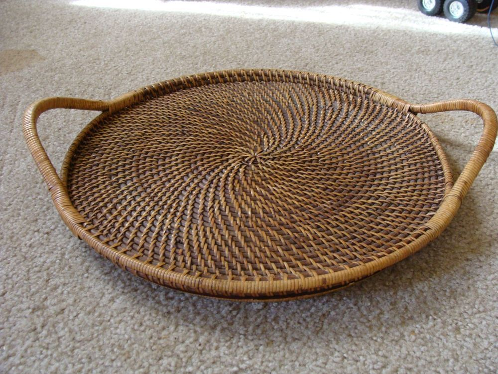 Pampered Chef Woven Selections Round Wicker Rattan Handled 17