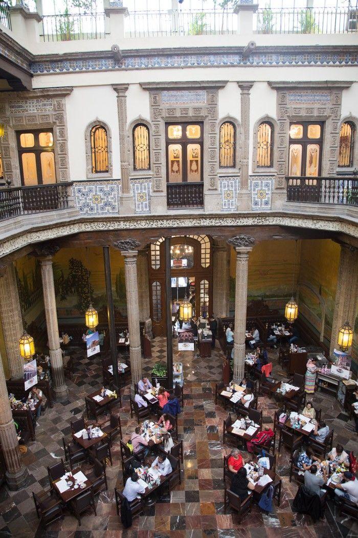 Patio central de la casa de los azulejos antes palacio de for Casa de los azulejos ciudad de mexico cdmx
