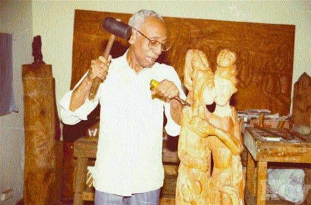 Gaspar Mario Cruz, sculptor, born in San Francisco de Macoris. Visit our website to read his bio...